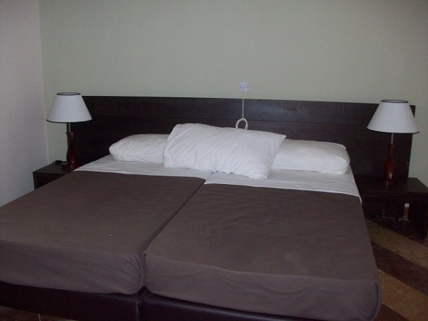 Double beds, GLR