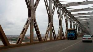 Niger Bridge is the boundary between onishta and asaba in delta state 2
