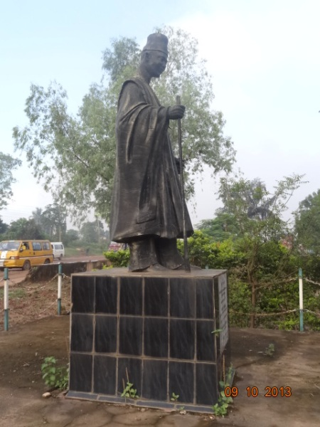 Zik's statue inside the Inosi Onira Garden (1)