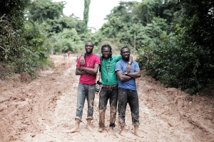 Emmanuel, Emeka and Jide. Ekok Road - Cameroun by Mario Macilau,