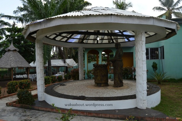 Ogunde's tomb in the premises of his country home in Ososa