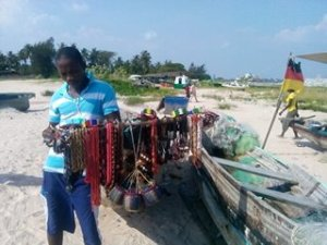 Like is the case with most beaches in Lagos, Tarkwa Bay has it s crafts vendors