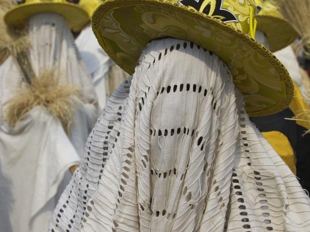 Eyo masquerade (by Silvia Dona)